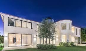 California, Robert Redford has sold his villa